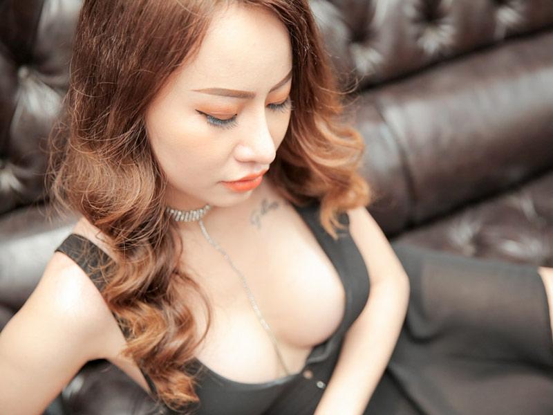 khách hàng Thanh Thảo sau khi nâng ngực tại MEDIKA