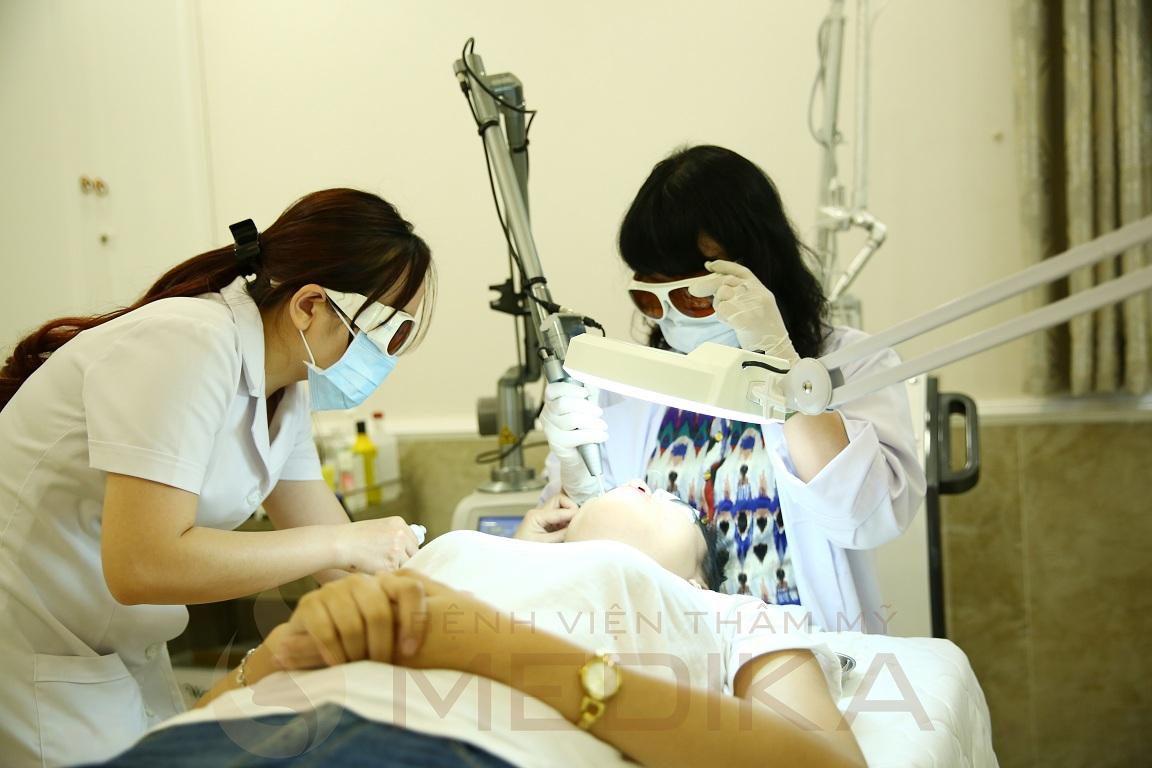 Điều trị da bằng công nghệ Laser Fractional CO2