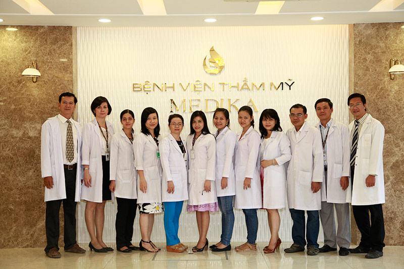 Đội ngũ y bác sĩ tại BVTM MEDIKA