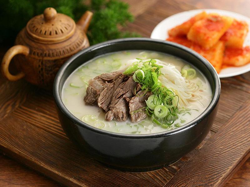 Nên ăn các món hầm từ thịt heo tốt cho ngực