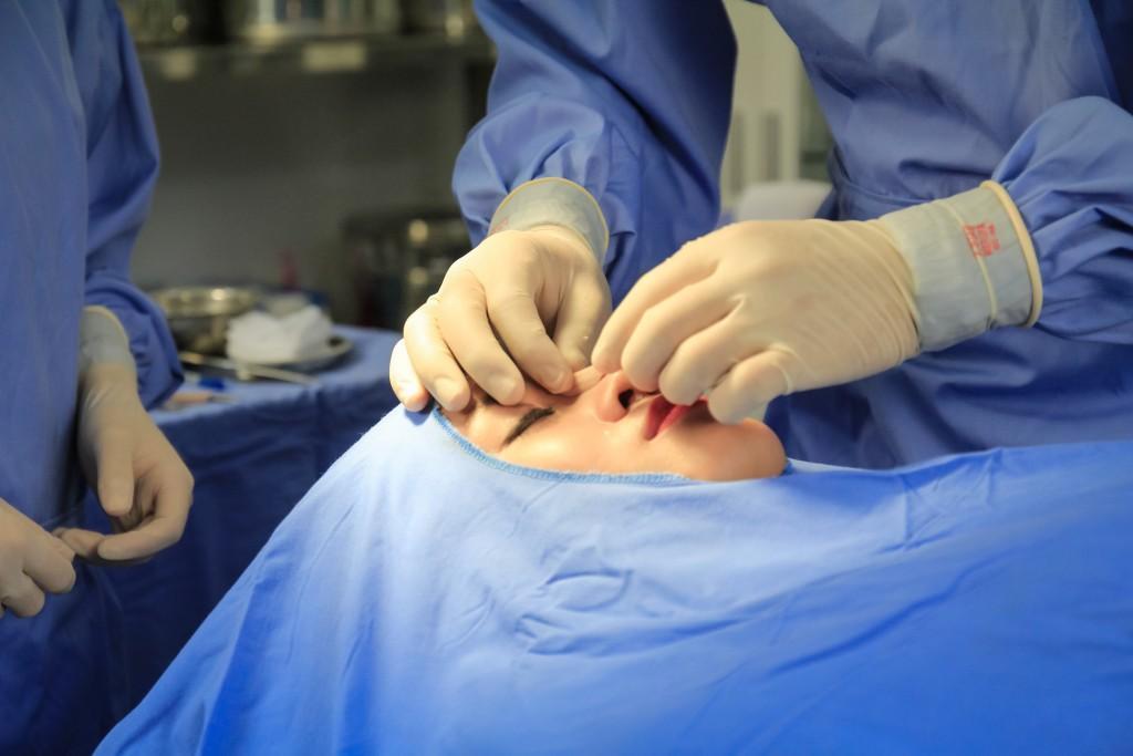 Phẫu thuật nâng mũi an toàn tuyệt đối
