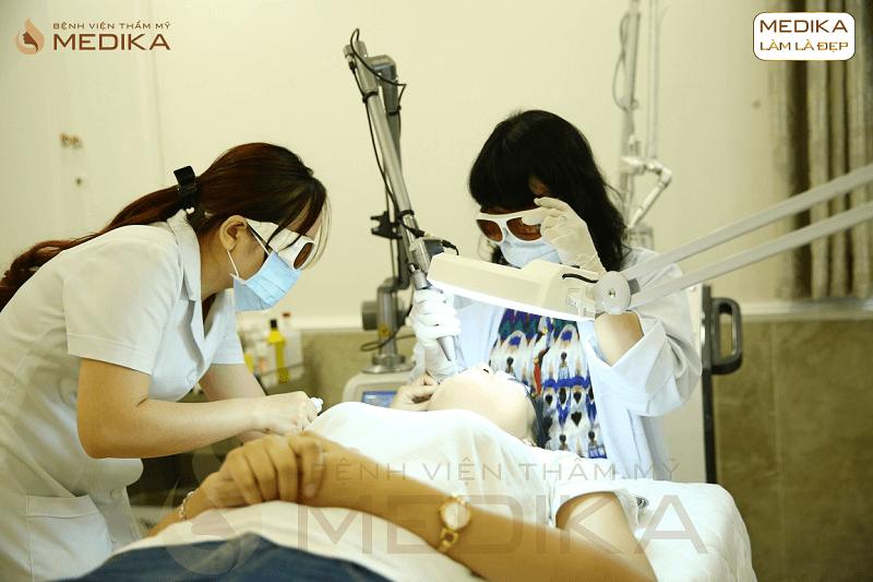 Quy trình Điều trị sẹo rỗ do mụn bằng Laser vi điểm ở Bệnh viện thẩm mỹ MEDIKA