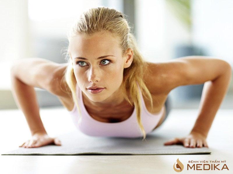 Top những bài tập gym tăng ngực cho nữ hiệu quả