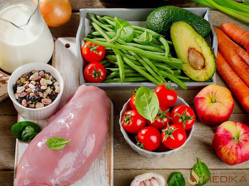 Nên tăng cường bổ sung các loại món ăn giàu dinh dưỡng, tốt cho vòng 1