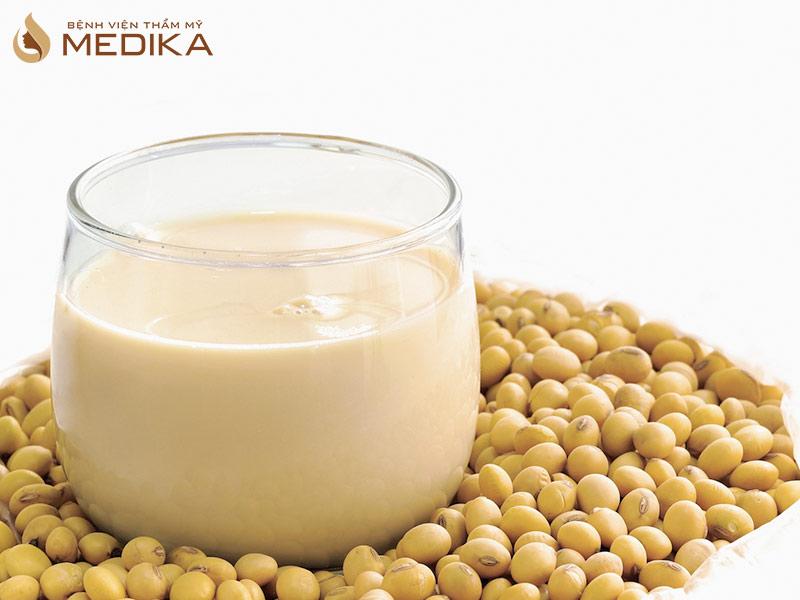 Sữa đậu nành giúp ngực săn chắc hơn