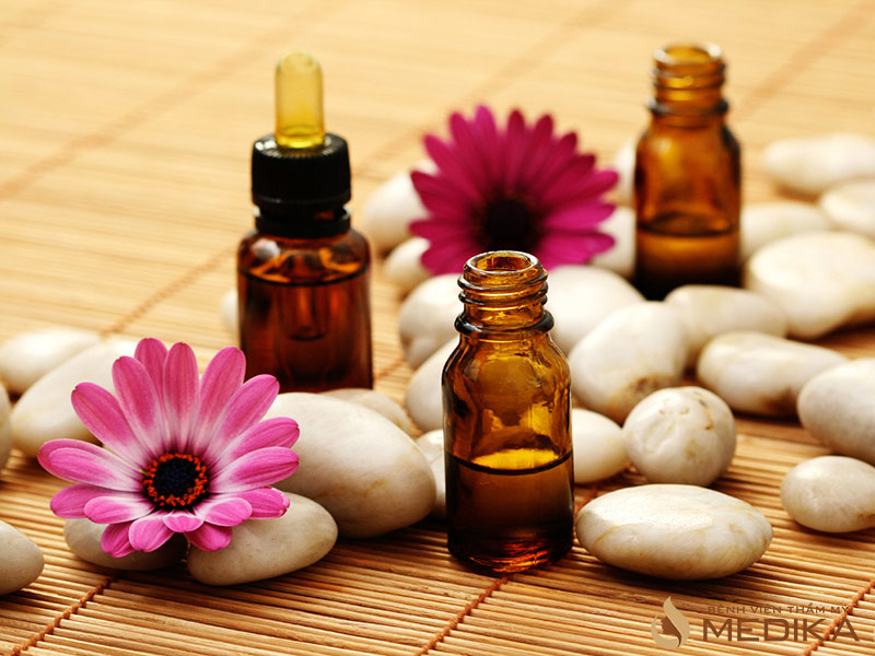 Tinh dầu mù tạt giúp đầu nhũ hoa nhỏ lại và đẹp hơn