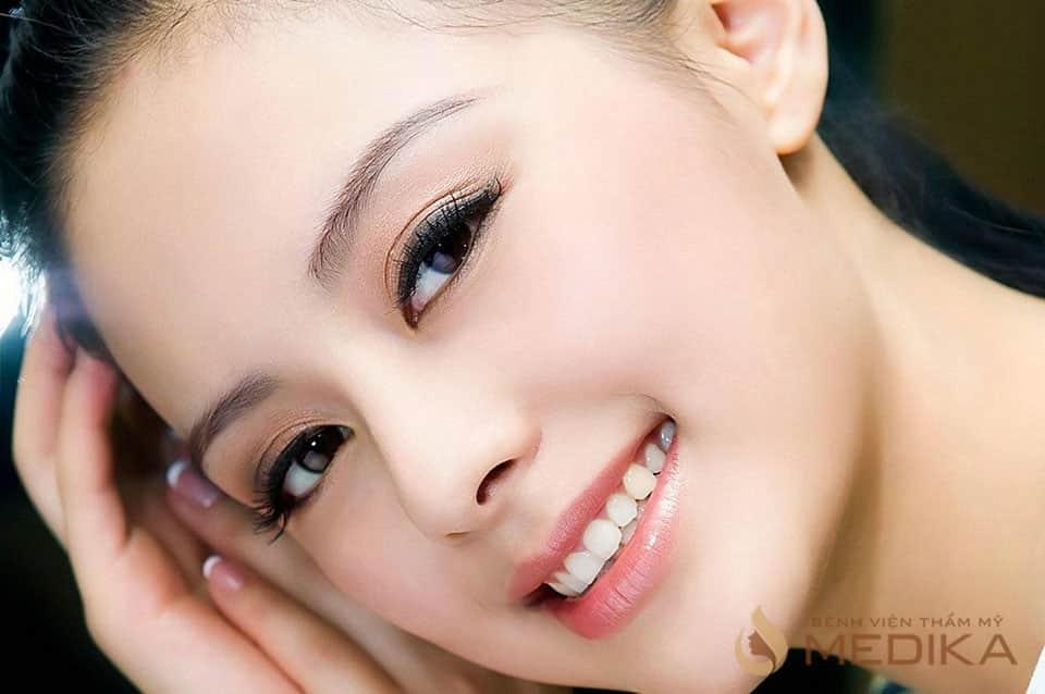 Cắt mí mắt Đôi mắt 2 mí đẹp sắc nét, tự nhiên là mong ước của mọi chị em phụ nữ