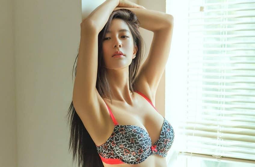 Nâng ngực tạo khe - Giải pháp tạo ngực căng tròn quyến rũ