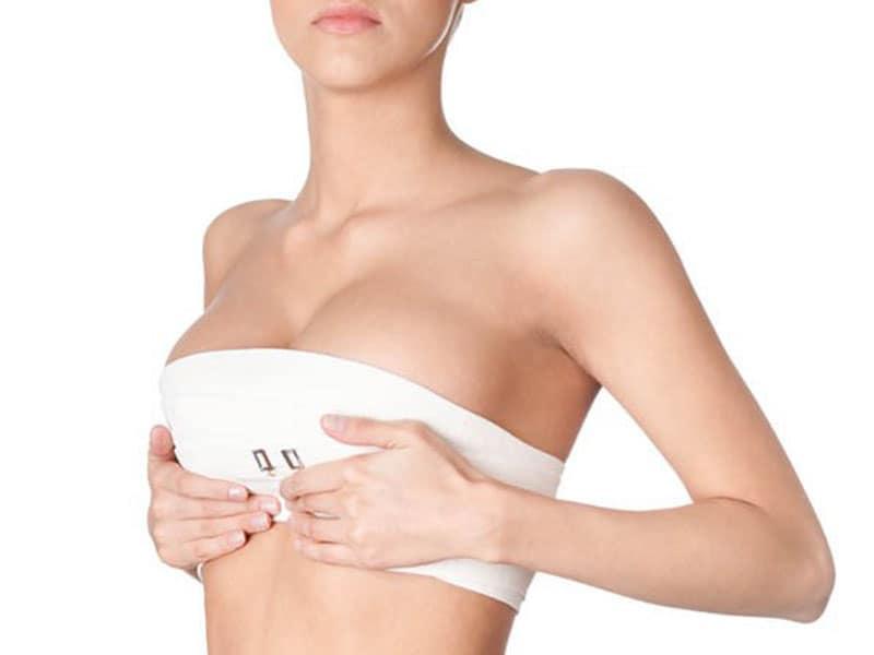 Hiện tượng co thắt bao xơ sau nâng ngực là gì?