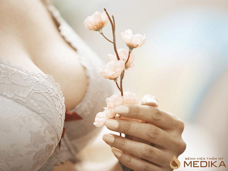 Sau nâng ngực nội soi bạn cần là gì?
