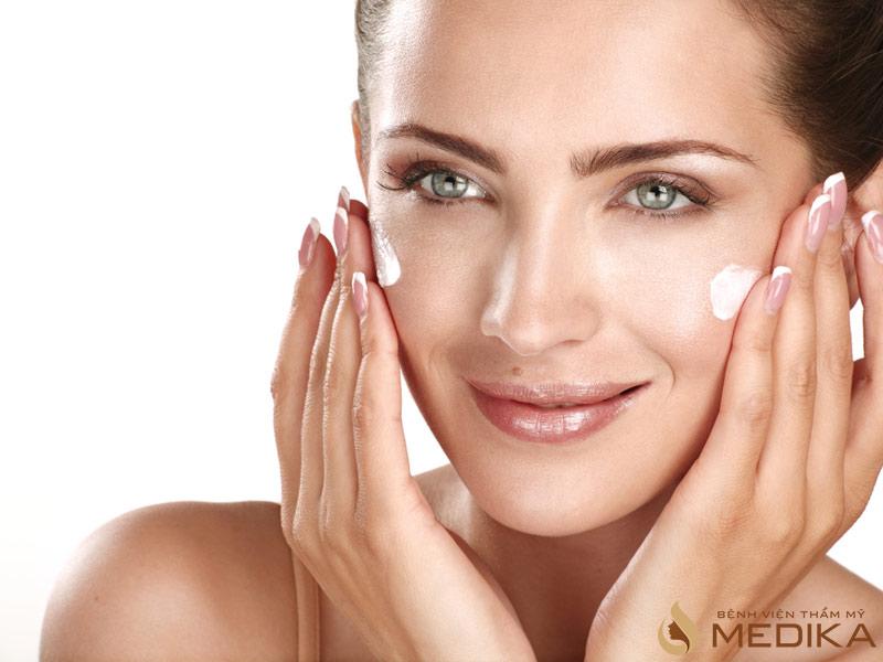 Chống nắng cho làn da giúp trẻ hóa da và chống lại các tia độc hại