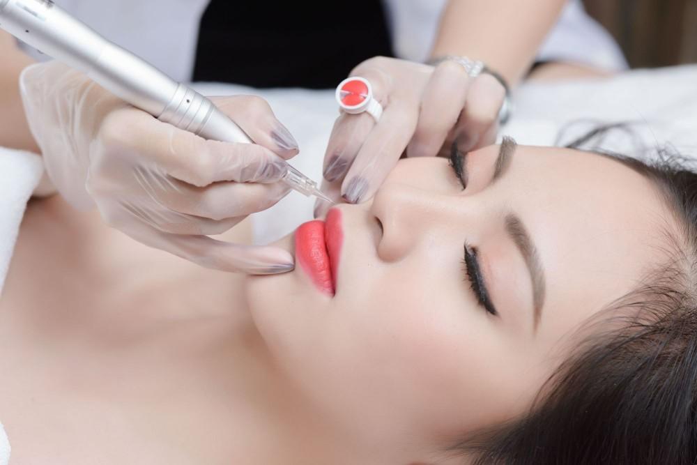 Khắc phục mọi khuyết điểm cho môi với công nghệ phun môi Collagen