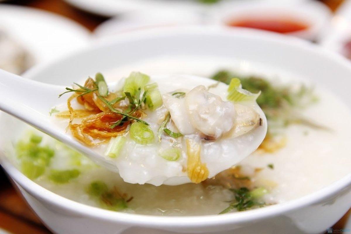Chỉ nên ăn những thực phẩm mềm, lỏng, dễ nuốt như súp, cháo, sữa, nước ép trái cây