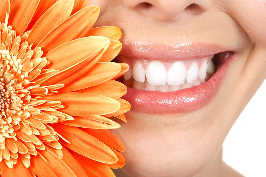 Những điều cần biết về tẩy trắng răng để không tốn tiền vô ích