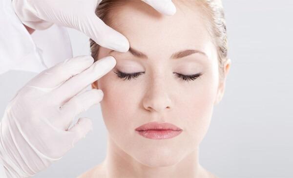 Khắc phục sụp mí mắt hiệu quả tại Bệnh viện thẩm mỹ MEDIKA
