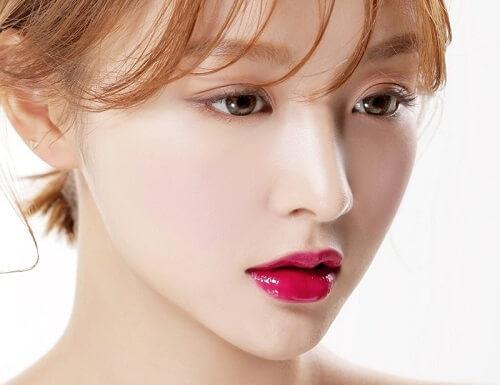 Bí quyết chọn màu môi cực chuẩn khi phun môi Collagen tại Bệnh viện thẩm mỹ MEDIKA