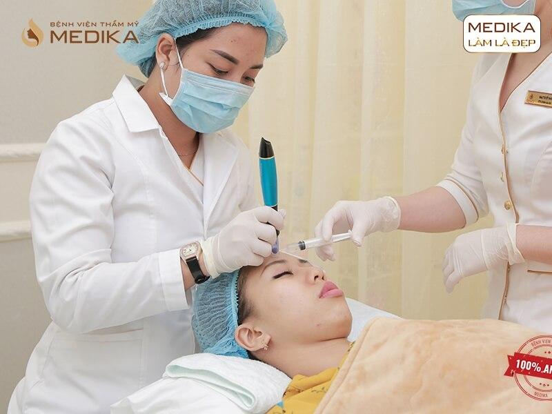 Các bước chăm sóc da sau lăn kim tế bào gốc bạn đã biết - MEDIKA.vn