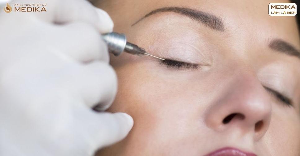 review-phun-mi-eyeliner-mat-sieu-to-sieu-sau-dep-long-lanh