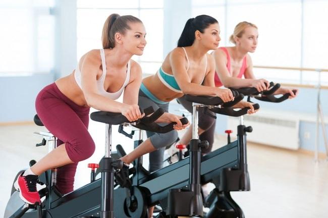 Bài tập đạp xe giảm mỡ bụng
